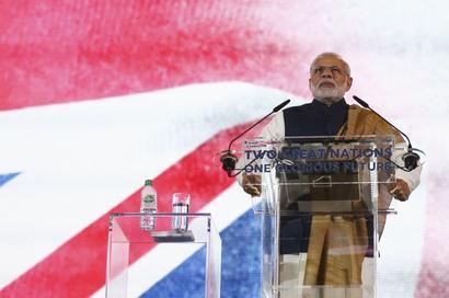 Modi talks to new British PM; seeks 'stronger, closer' ties