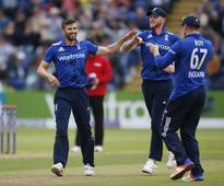 Rediff Cricket - Indian cricket - Cricket-Wood recalled to England's Champions Trophy squad
