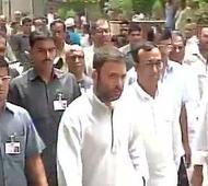 Scribe's death: Opposition seeks CBI probe; Rahul, Kejriwal attend funeral