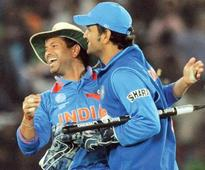 Rediff Sports - Cricket, Indian hockey, Tennis, Football, Chess, Golf - MS Dhoni is the best judge as far as his retirement is concerned: Sachin Tendulkar
