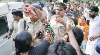 SHO slapped, manhandled by protesters