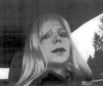 Obama shortens sentence of Manning, who gave cables to WikiLeaks