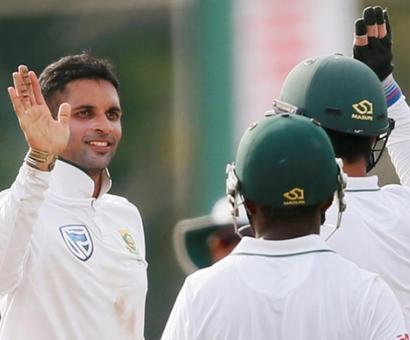 Rediff Cricket - Indian cricket - 2nd Test, Day 1: Maharaj magic restricts Sri Lanka to 277-9