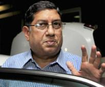 BCCI prez Srinivasan leaves for Mumbai