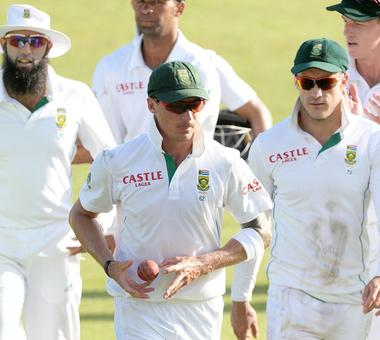 Steyn doubtful for Kotla Test, De Lange has extended session