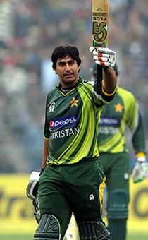 Rediff Cricket - Indian cricket - Cricket Buzz: Pakistan ban Jamshed for one year in corruption probe