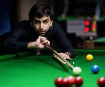 Hot favourite Advani beaten by 14-year-old Bingtao in World Snooker