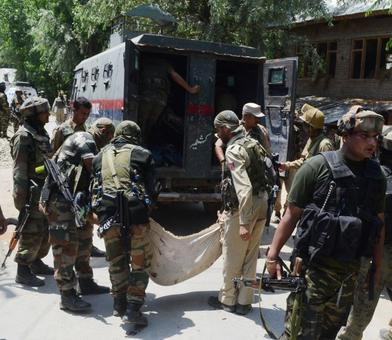 Curfew extended to Pulwama district, restrictions in Valley