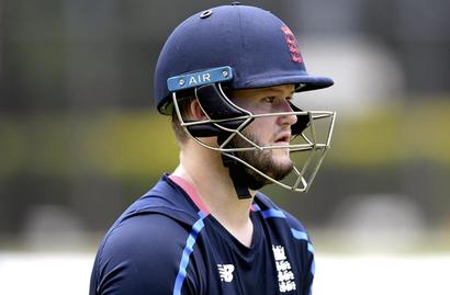 Rediff Cricket - Indian cricket - Fresh crisis for England: Duckett suspended from playing after bar incident