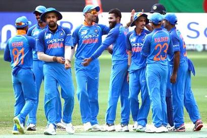 Rediff Cricket - Indian cricket - Live Cricket Scores: Asia Cup Super 4s - India opt to bowl