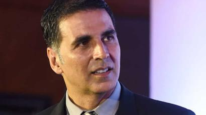 Current Bollywood News & Movies - Indian Movie Reviews, Hindi Music & Gossip - Pulwama terror attack: Akshay Kumar to donate Rs 5 cr to soldiers