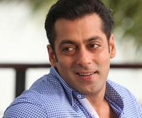 'Bigg Boss 8': Salman Khan Maintains 'Single' Status, Feels Happy About it