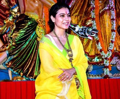Current Bollywood News & Movies - Indian Movie Reviews, Hindi Music & Gossip - PIX: Kajol celebrates Durga Puja