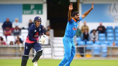 Rediff Cricket - Indian cricket - India bowl; Vijay Shankar handed debut among three changes