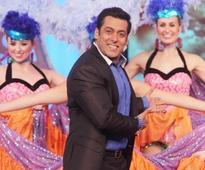 Bigg Boss 8: Salman Khan to end Karishma or Sonali's journey this week?