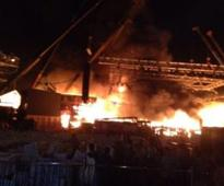 Huge fire destroys Make In India stage at Chowpatty event in Mumbai, Fadnavis orders probe, no casualties