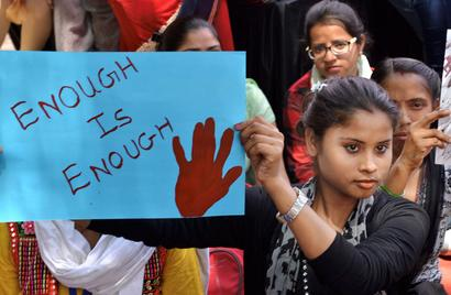 UP: Minor girl raped at gunpoint by 3 men in Ghaziabad