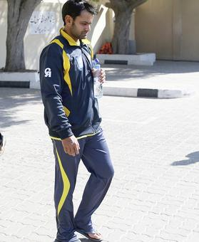 Rediff Sports - Cricket, Indian hockey, Tennis, Football, Chess, Golf - Pakistan's Hafeez reported for suspect action, again