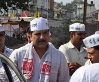 AAP backs Vishwas, says media 'twisting' story to defame party