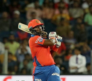 Rediff Cricket - Indian cricket - PHOTOS: Lions stay on top after last-ball win over Supergiants