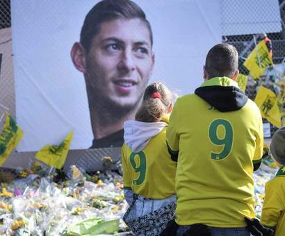 Rediff Sports - Cricket, Indian hockey, Tennis, Football, Chess, Golf - Emiliano Sala's Funeral Takes Place In Argentina