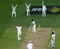 Australia vs New Zealand day-night Test, Day 2: Ridiculous decision swings match home team's way