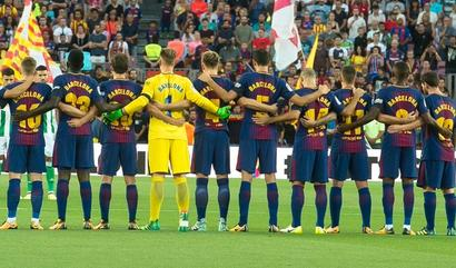 Rediff Sports - Cricket, Indian hockey, Tennis, Football, Chess, Golf - Watch FC Barcelona pay tribute to victims of terror attacks