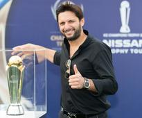 Rediff Sports - Cricket, Indian hockey, Tennis, Football, Chess, Golf - ICC Champions Trophy 2017 'Trophy Tour' in India from March 2