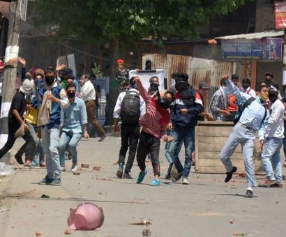 Kashmir boils over AGAIN after Bhat's encounter