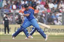 Rediff Sports - Cricket, Indian hockey, Tennis, Football, Chess, Golf - Kohli rues poor batting by Team India