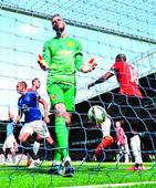 Rediff Sports - Cricket, Indian hockey, Tennis, Football, Chess, Golf - Everton destroy United