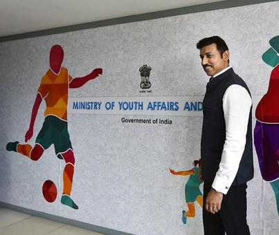 Rediff Sports - Cricket, Indian hockey, Tennis, Football, Chess, Golf - Rathore meets IOC chief Bach, promises clean sports in India