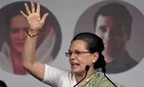 Sonia Gandhi takes on Modi during Swabhiman Rally