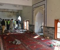 Pakistan mourns victims of deadly suicide bombing in Shia mosque