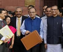 Highlights: Budget 2015/16 goes for growth, delays cut in fiscal deficit