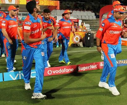 Rediff Cricket - Indian cricket - Will Gujarat Lions' skipper Raina be fit vs Mumbai Indians