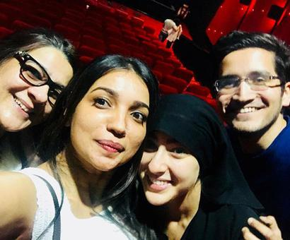 Current Bollywood News & Movies - Indian Movie Reviews, Hindi Music & Gossip - After the debut in Kedarnath, Sara Ali Khan went undercover in a burkha to see audience reaction with mom Amrita Singh