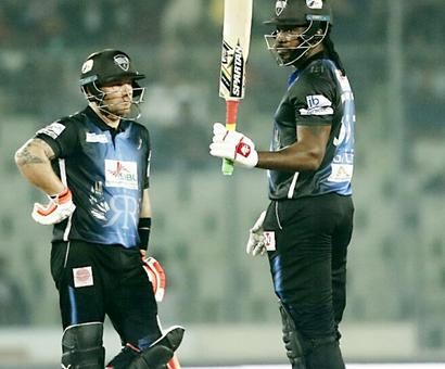 Rediff Cricket - Indian cricket - Gayle breaks sixes record in Bangladesh Premier League final