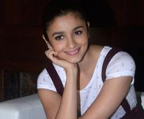Current Bollywood News & Movies - Indian Movie Reviews, Hindi Music & Gossip - Alia hopes for long journey in Bollywood