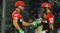Rediff Cricket - Indian cricket - AB de Villiers, Virat Kohli post tweets on football practice session