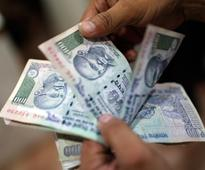 'Rupee-dollar exchange rate likely to end 2014 at 61'