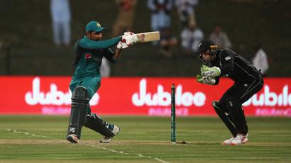 Rediff Cricket - Indian cricket - Sarfaraz sees Gladiators home with last-ball six