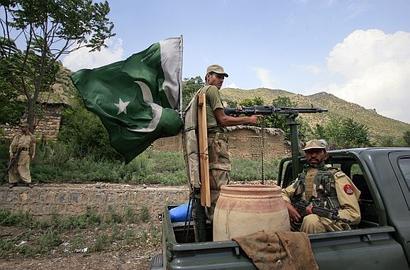 US warns Pakistan: Act against terrorists or else!