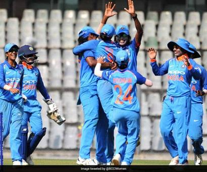 Rediff Cricket - Indian cricket - 1st ODI: Ekta Bisht Helps India Women Win Against England