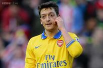Arsenal's Mesut Ozil out for four weeks
