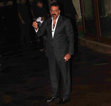 PIX: Sanjay Dutt greets fans on his birthday