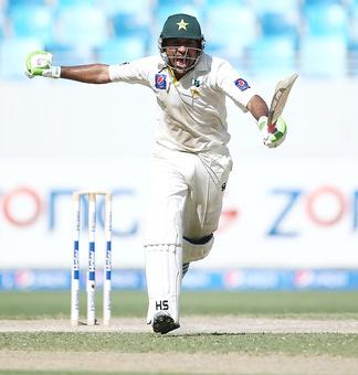 1st Test: Warner hits back after Sarfraz's whirlwind ton on Day 2