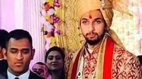 Rediff Cricket - Indian cricket - Ishant Sharma-Pratima Singh wedding: Mahendra Singh Dhoni leads starry reception