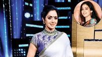 Current Bollywood News & Movies - Indian Movie Reviews, Hindi Music & Gossip - Sridevi not worried about daughter Janvi being a favourite of paparazzi