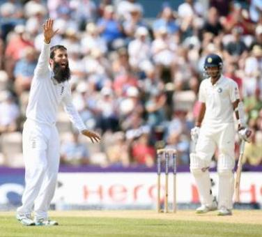 England level series after meek surrender by Indian batsmen